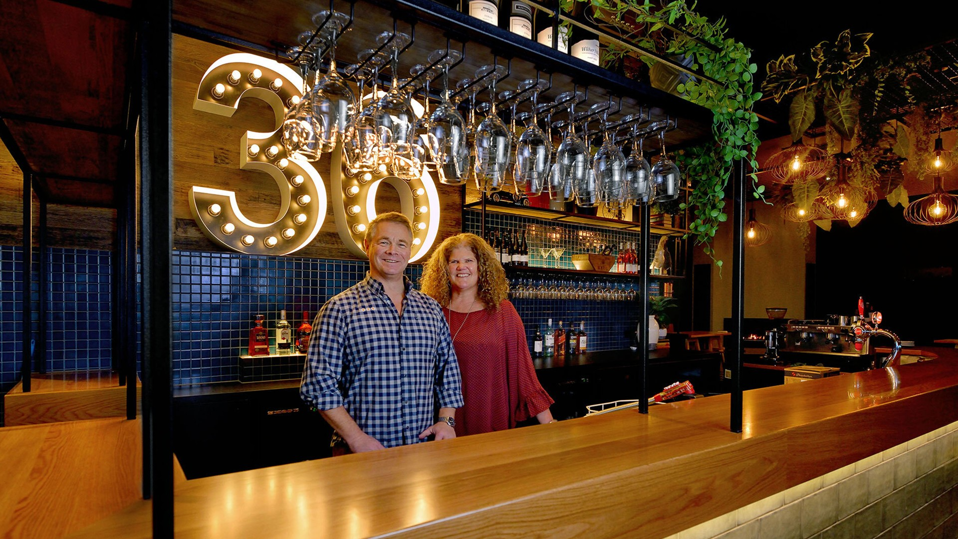 Photo of Murdoch and Leonie, owners of Mornington Kitchen and Bar
